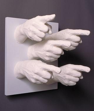 Finger-pointing-796415